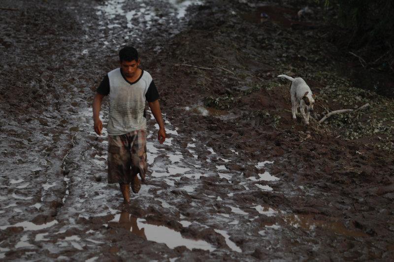 Resultado de imagen para 100 mil damnificados en Nayarit no han recibido ayuda del gobierno