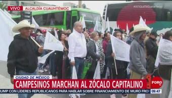 Tambora acompaña a manifestantes sobre Izazaga, CDMX