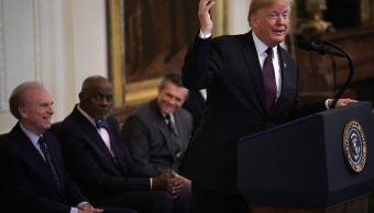 Trump sugiere apagar cámara que enfoca a periodista de CNN
