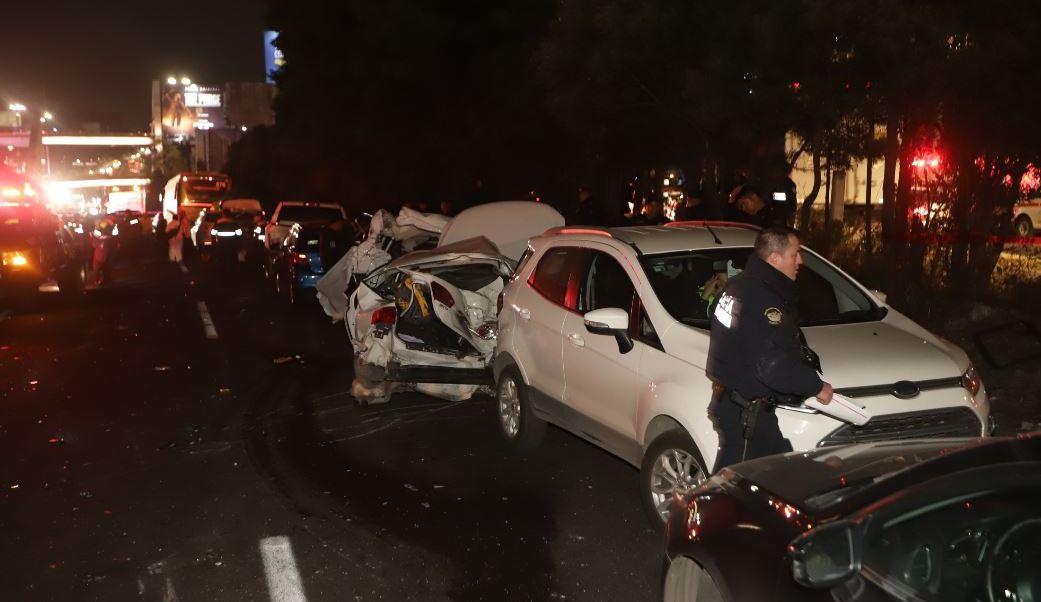 En accidente de Santa Fe, 5 de los 10 muertos quedaron bajo el tráiler
