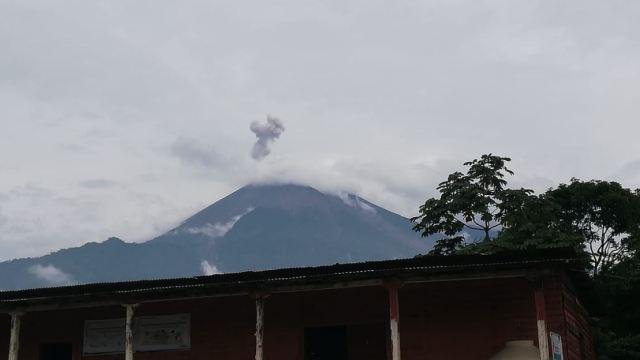 Volcán de Fuego de Guatemala tiene hasta 15 explosiones