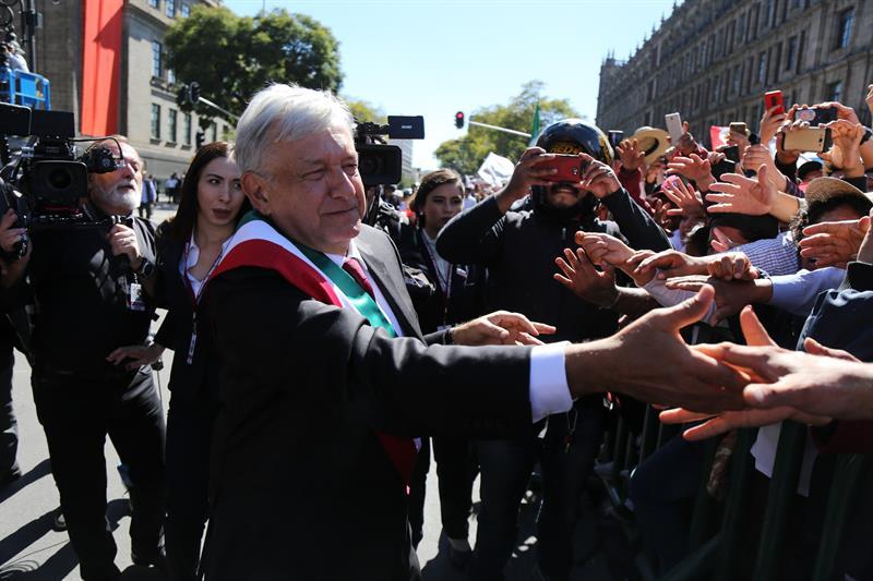 amlo baño masas investido presidente andres
