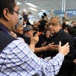 Gritan a AMLO 'soy tu fan', en vuelo comercial