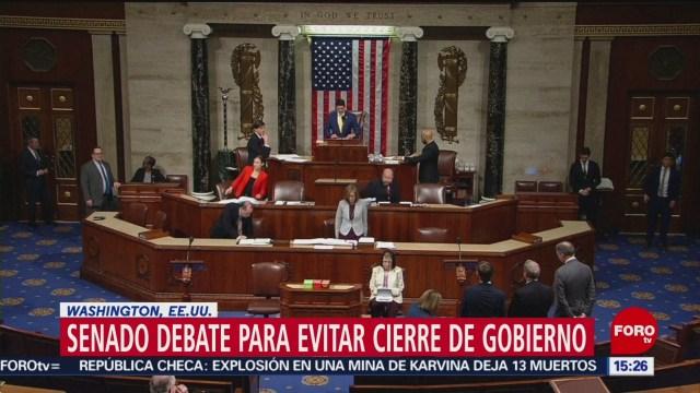 Senado de EU debate para evitar cierre de gobierno