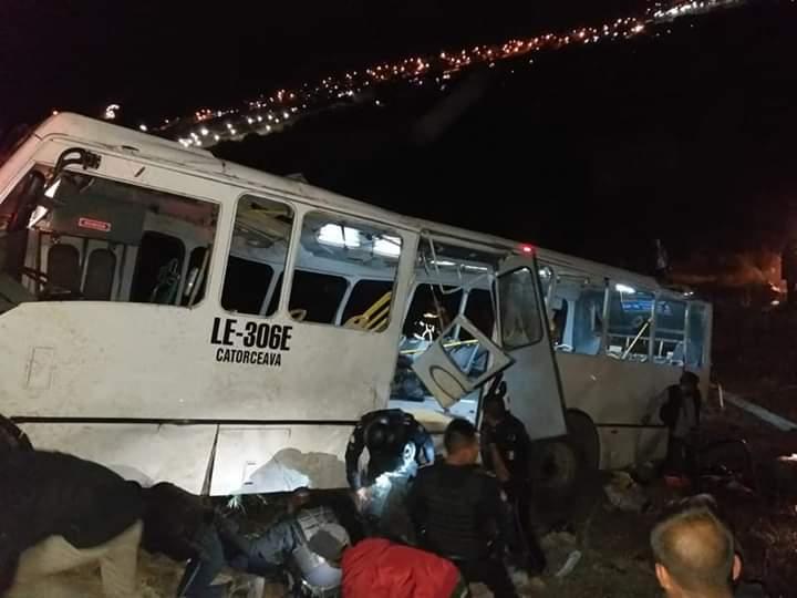 accidente autobus deja siete muertos y 35 lesionados leon guanajuato