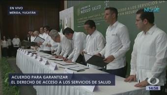 AMLO firma en Mérida acuerdo sobre derecho a servicios de salud