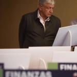 Cuando presupuesto económico no da, hay que cambiar presupuesto político, dice René Delgado