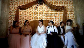 Parejas gais se casan en Brasil en boda colectiva por miedo