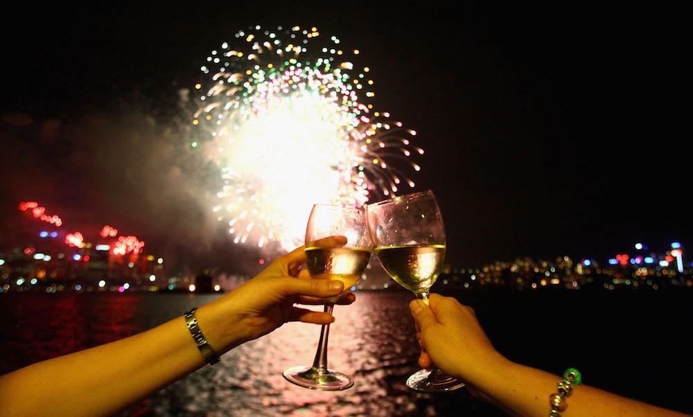 Tradiciones Año Nuevo alrededor mundo hora del brindis