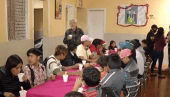 Niños de casa hogar Fundación Renacimiento celebran Navidad