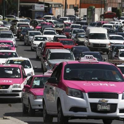 Cerca de 15 mil taxistas de la CDMX tienen maestría y doctorado