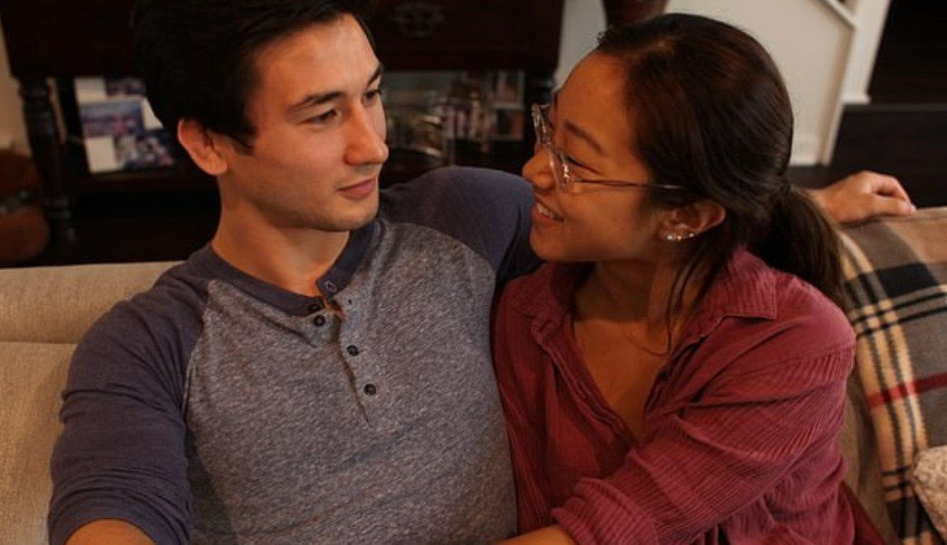 Mujer hace match en Tinder; encuentra novio y riñón