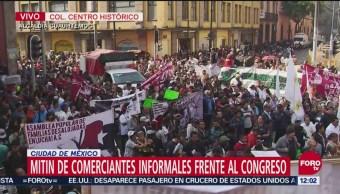 Comerciantes informales realizan mitin frente al Congreso CDMX