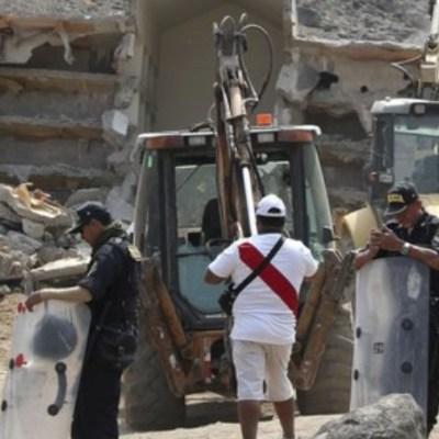 Perú demuele mausoleo donde enterraron a miembros de Sendero Luminoso