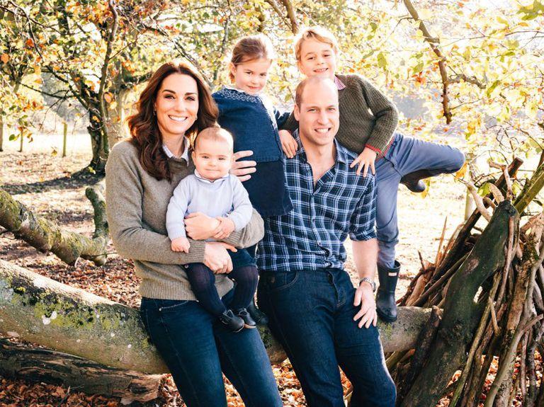 Difunden postal navideña de los Duques de Cambridge
