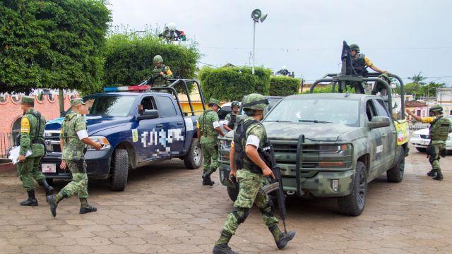 Ejército resguarda refinería de Salamanca, Guanajuato