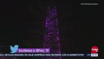 Encienden árbol de Navidad en Querétaro