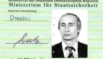 Encuentran idenficación de espía de Vladimir Putin
