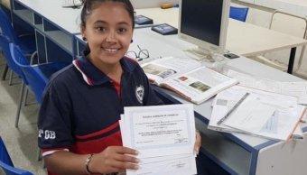 Estudiante Asistencia Perfecta No Faltó 14 Años
