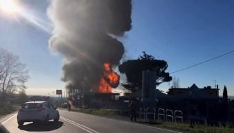 Explosión en gasolinera al norte de Roma deja 2 muertos