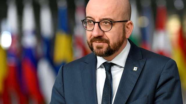 Primer ministro belga renuncia tras apoyar pacto migratorio