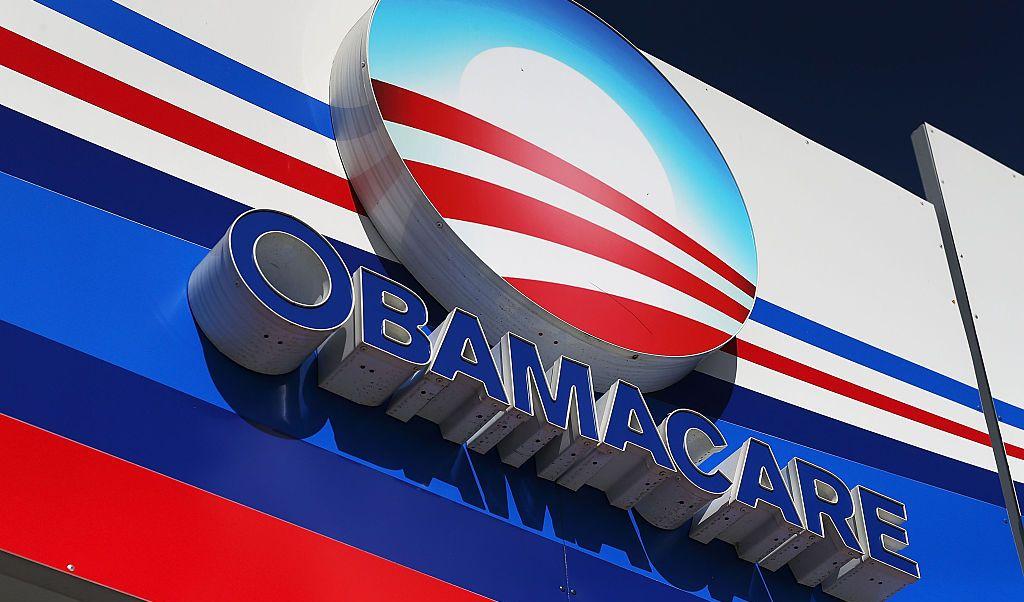 Juez declara inconstitucional la ley de salud Obamacare