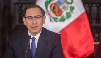 Perú concede aplastante victoria a su presidente