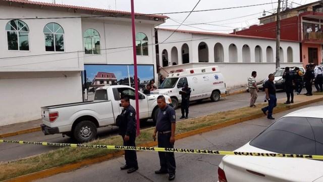 Hombres balean a expolicía municipal en Matías Romero,