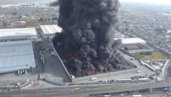 Incendio en una fábrica en Toluca, Edomex