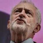 Theresa May debe irse si no puede renegociar Brexit, dice Corbyn