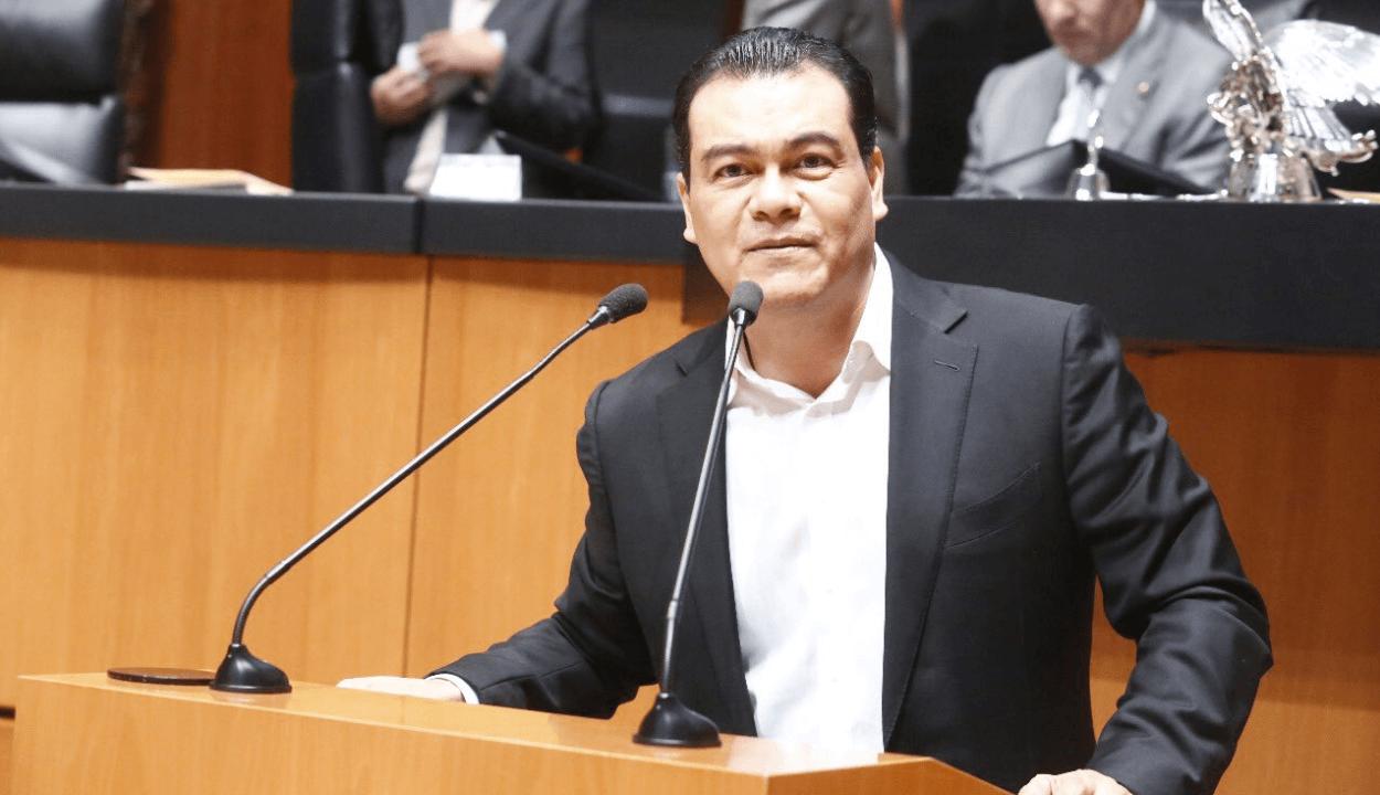 Juan Zepeda pide licencia al Senado por enfermedad