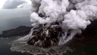 Volcán Krakatoa entra en una nueva 'fase mortal', imágenes