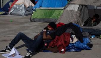 Migrantes rechazan trasladarse a otro albergue en Tijuana