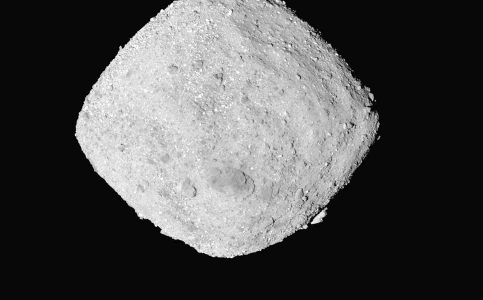 Nave de la NASA llega al asteroide Bennu