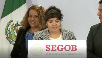 Nestora Salgado entrega lista de presos políticos a Segob