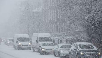 Tormenta invernal paraliza actividades en el sureste de EU