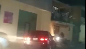 Policías salvan a hombre de linchamiento en Puebla