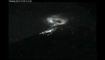 Popocatépetl lanza explosión con material incandescente