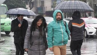 Pronostican ambiente gélido y lluvias en México