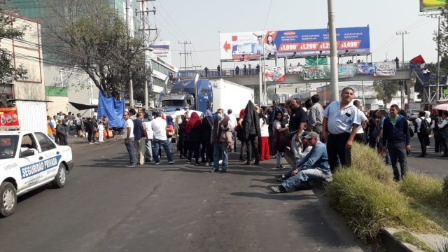 Trabajadores del DIF protestan por pagos atrasados Naucalpan