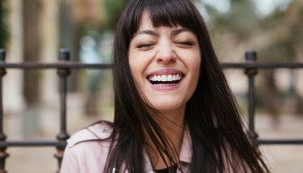 ¿Qué efectos tiene la risa en el cuerpo y el cerebro?
