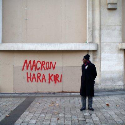París reabre museos tras protestas de los 'chalecos amarrillos'