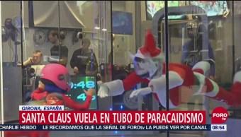 Santa Claus Vuela Dentro De Tubo De Paracaidismo En España, Santa Claus, España, Hazaña De Papá Noel
