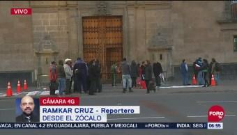 Se registra presencia de manifestantes frente a Palacio Nacional