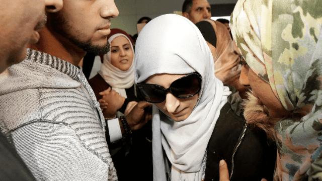 Madre yemení se reúne con su hijo en estado grave en EU