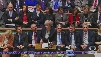 Theresa May podría ser destituida por crisis del Brexit