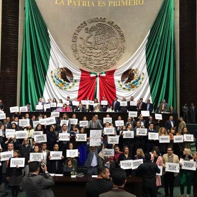 Urzúa explica paquete económico en medio de protestas