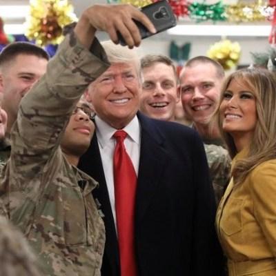 Trump insiste sobre muro fronterizo; realiza visita sorpresa en Irak