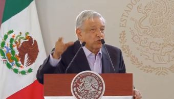 AMLO anuncia créditos sin intereses para microempresarios