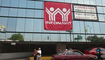 AMLO revisará los créditos del Infonavit